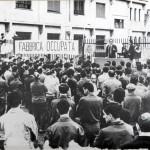 Comizio Pierre Carniti davanti a fabbrica occupata - anni '60