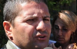 Il segretario nazionale della FIM CISL Marco Bentivogli, rilascia dichiarazioni fuori della sede della Federmeccanica al termine dell'incontro con le rappresentanze sindacali a Roma, 2 settembre 2013.                ANSA / MAURIZIO BRAMBATTI