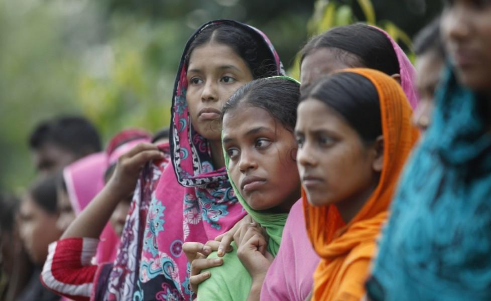lavoratrici-tessili-durante-la-protesta-a-dacca-del-23-settembreorig_main